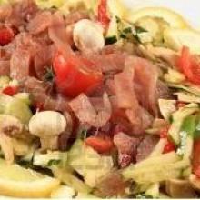 Carpaccio de atún con verduras