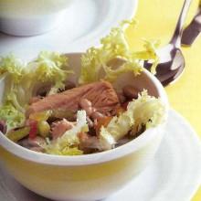 Ensalada de atún, frijoles y pimientos
