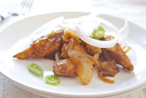 Salteado de pollo con guindillas